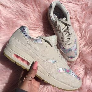 Nike Shoes - New Nike Air Max 1 Floral Desert